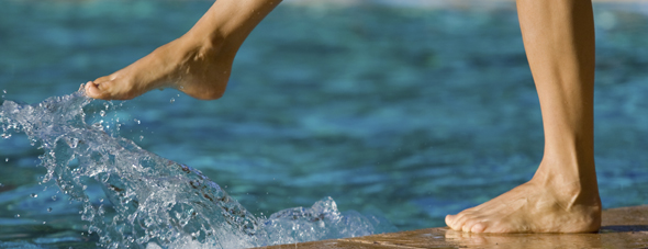 Keep your feet and toenails healthy this summer at the pool with these